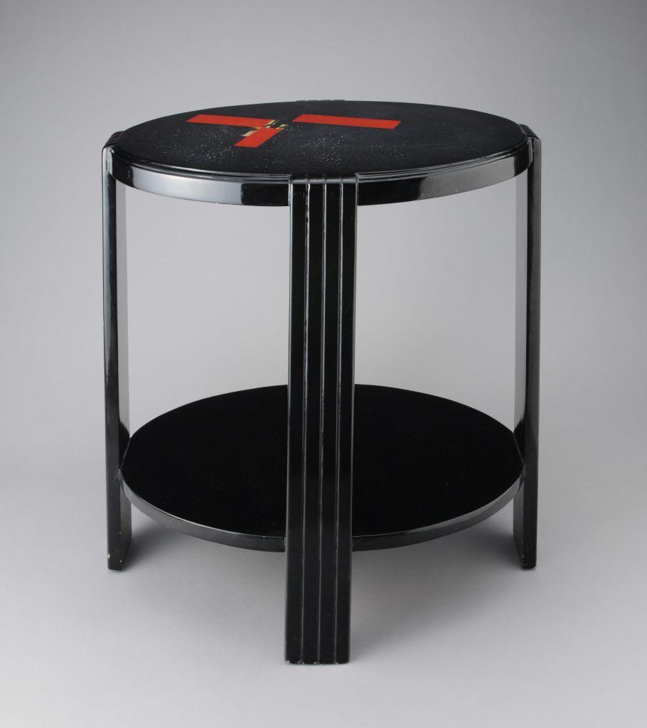 作品画像:テーブル