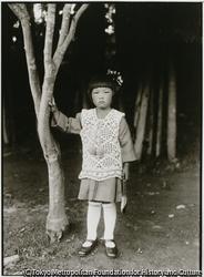 作品画像:佐渡では、地元で良家の子女たちの一般的な愛称は「ビイサン」と呼ばれていた
