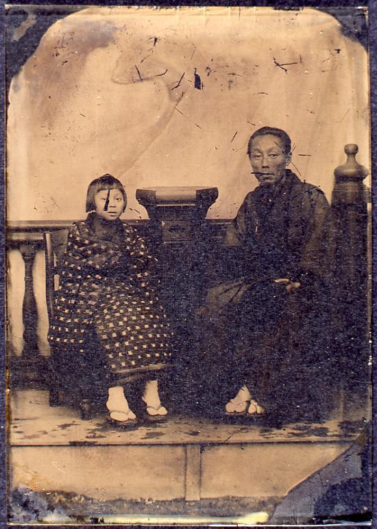 作品画像:男性と少女