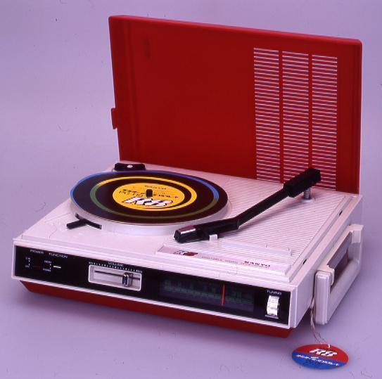 作品画像:ソリットステート ラジオ付きポータブルプレーヤー サンヨーPG-R8