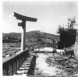 作品画像:山王神社の片足鳥居