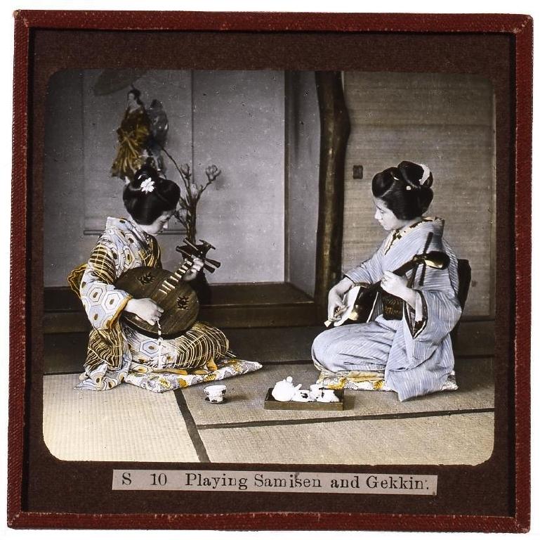 作品画像:三味線と月琴の演奏