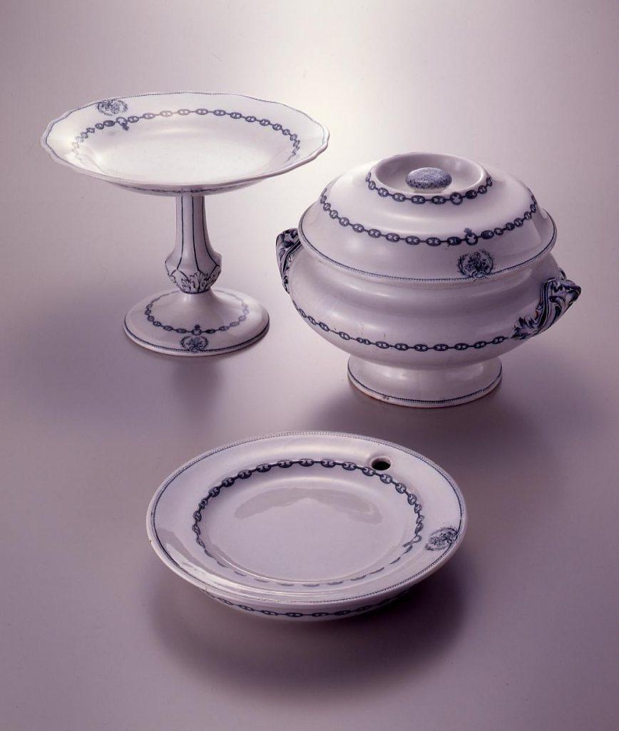 作品画像:スープ皿(栓付磁器)