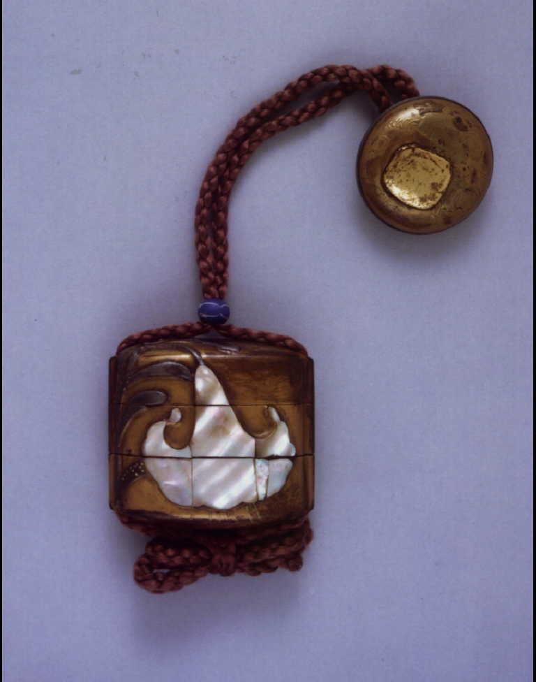 百合螺鈿印籠