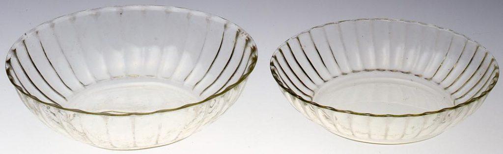 作品画像:無色菊花型大平鉢