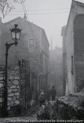 作品画像:パリ・霧のメニールモンタン