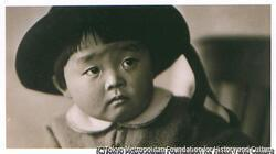 作品画像:帽子の男児