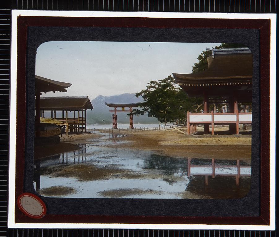 作品画像:広島 宮島厳島神社(幻燈原板)