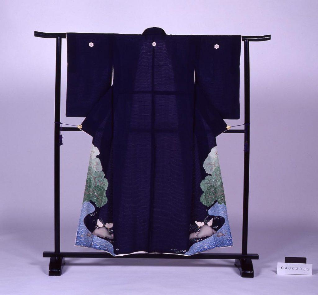 作品画像:紺絽地水鳥青海波文様染縫付け下げ