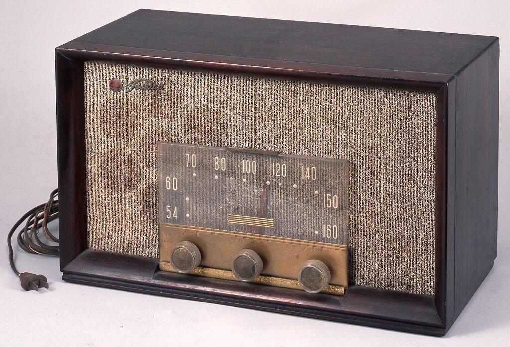 作品画像:ラジオ