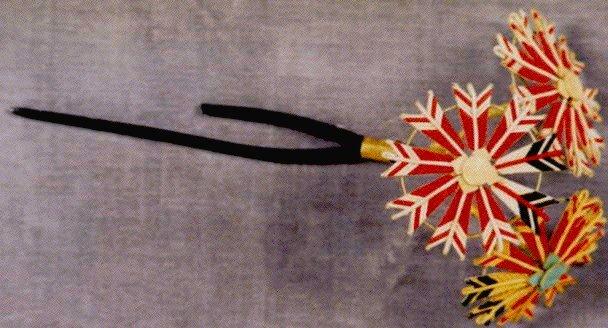 作品画像:木台矢車飾簪