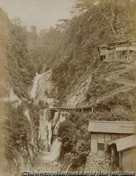 作品画像:神戸 布引雌滝