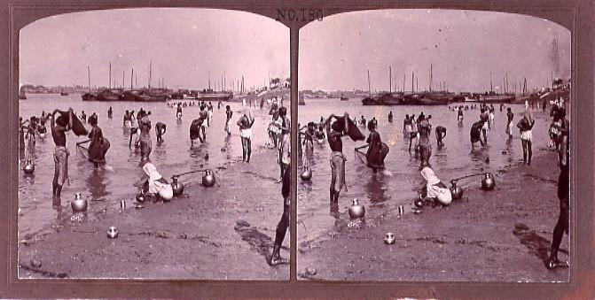 インドの沐浴(No.186)