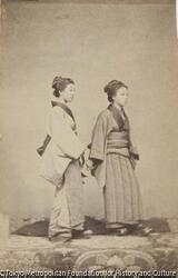 作品画像:二人の女性
