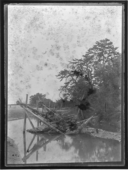 作品画像:川の流れ止め
