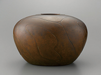 作品画像:黄銅壺