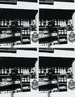 作品画像:棚の上の瓶