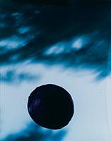 作品画像:「ピンホールシリーズ」より 《黒い太陽 2》