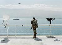 作品画像:<陸上の出来事>シリーズ 船舶保安、地震救援、海軍病院船USNSコンフォート、ハイチ