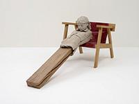作品画像:椅子の上の乾いた像