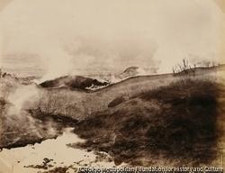 磐梯山・中の湯より噴口遠望