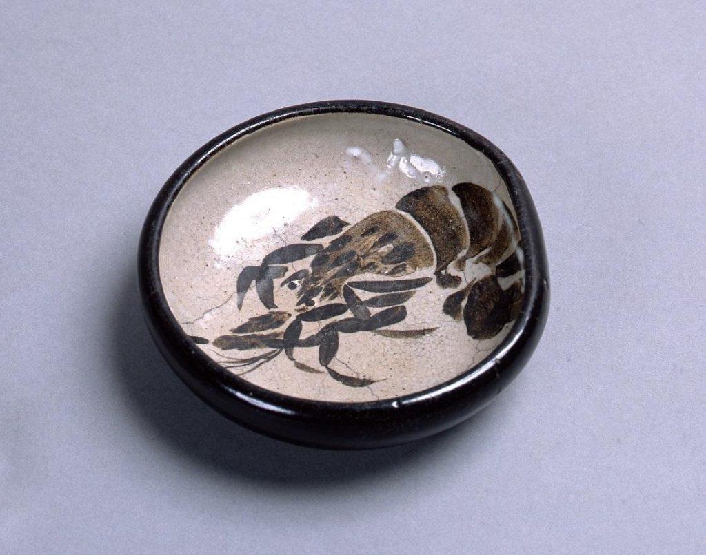 作品画像:銹絵染付海老文鉢