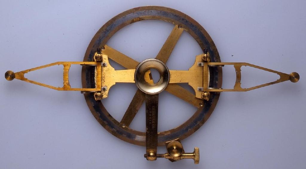 作品画像:海図用測量器