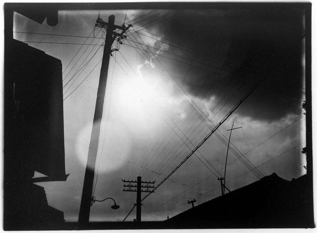 作品画像:太陽と電信柱