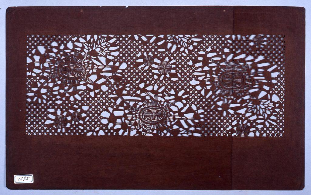 作品画像:長板中形型紙 菊にかの子 (小判 追掛)