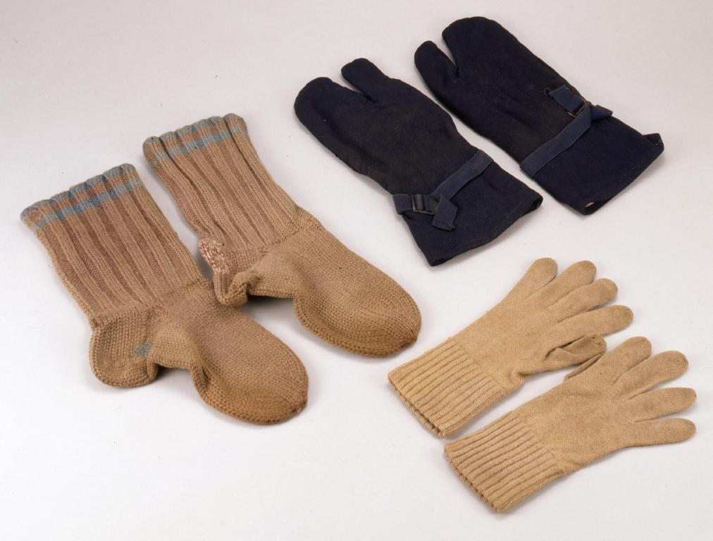 作品画像:手袋