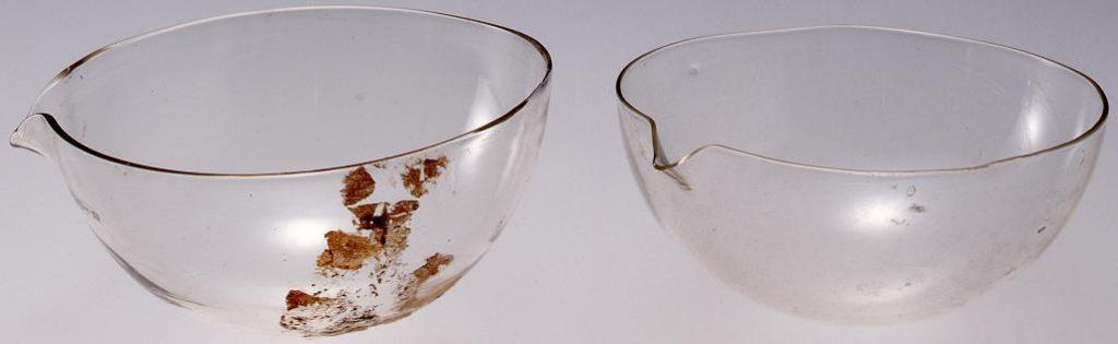 作品画像:無色宙吹き医療用磁性皿