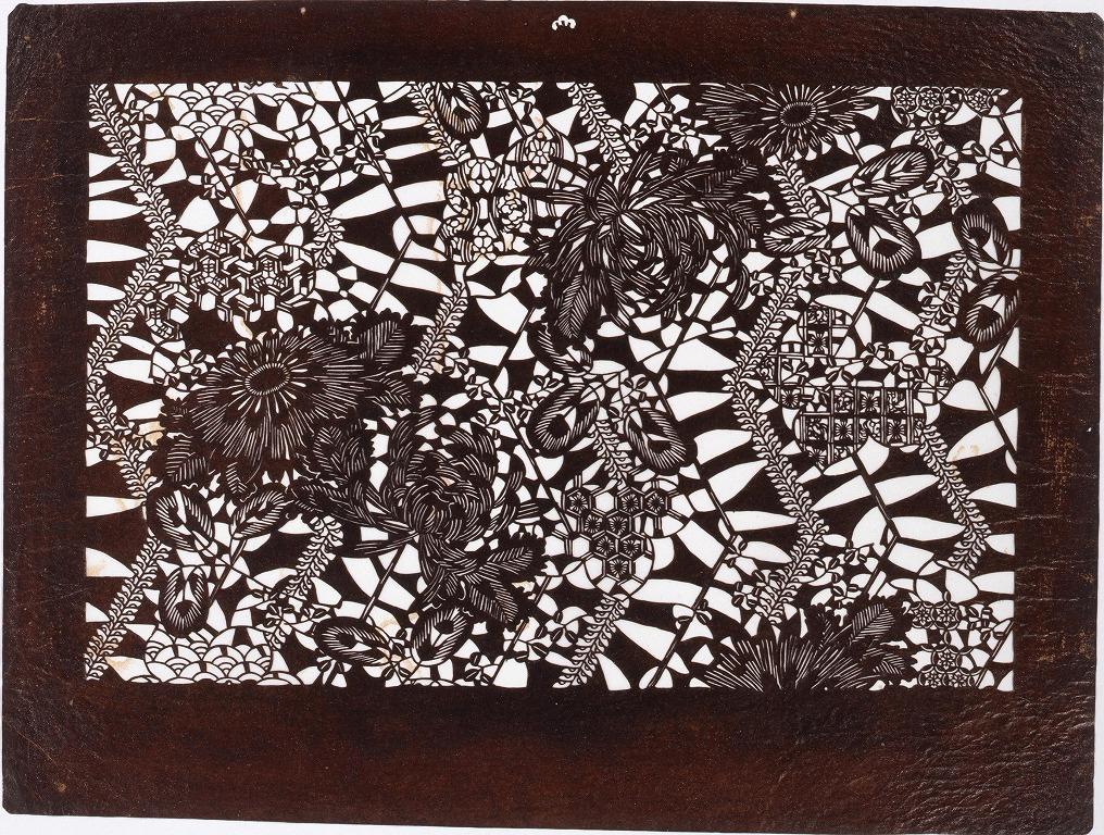 作品画像:長板中形型紙 菊に藤 (小判 追掛)
