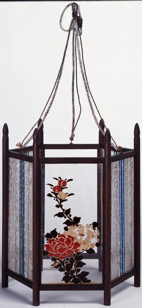 作品画像:密陀絵牡丹と竹笹文釣燈蘢