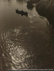 作品画像:(水辺の舟)