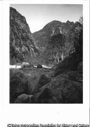 作品画像:黒部本流より丸山、黒部別山を望む