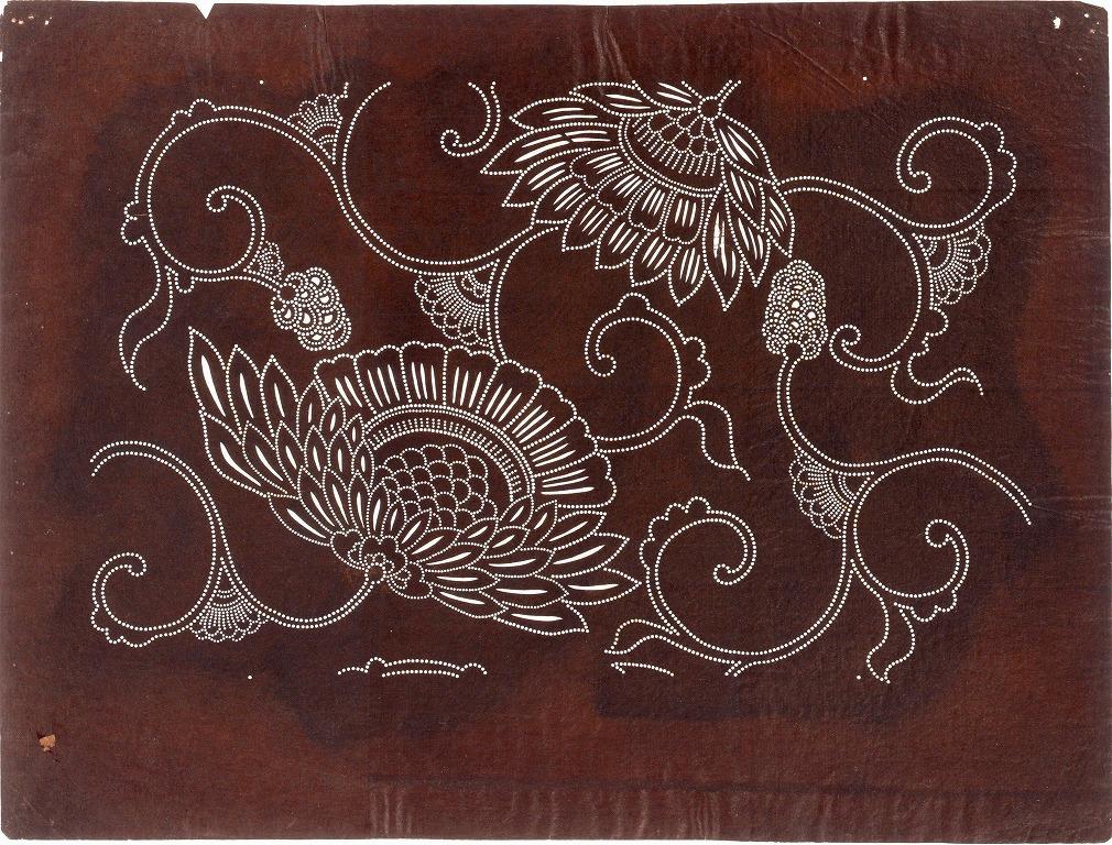 作品画像:長板中形型紙 花弁に唐草