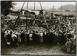 作品画像:娯楽の少なかった時代に、お宮の空地で催される相撲大会は、人々が待ち望んだ