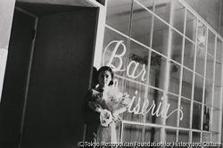 作品画像:東京銀座 並木通りの花売り娘