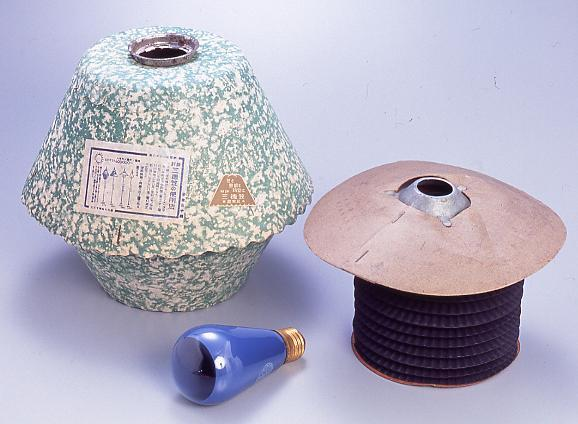 作品画像:灯火管制用電球笠