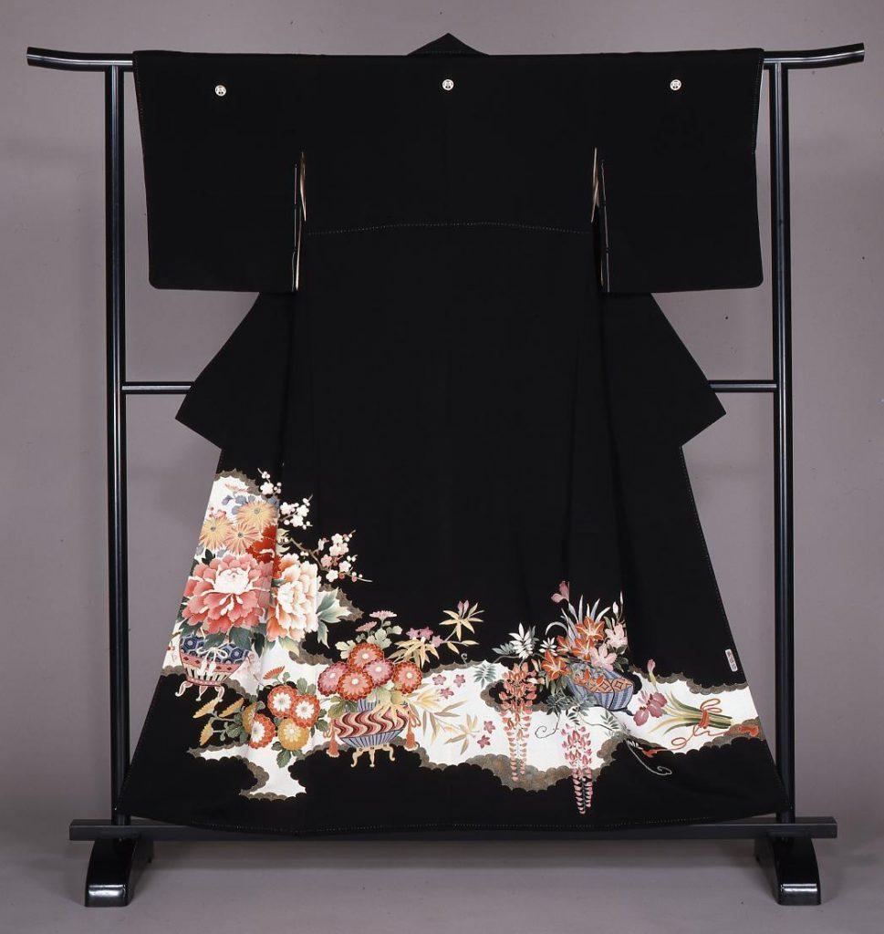 作品画像:花散し模様留袖