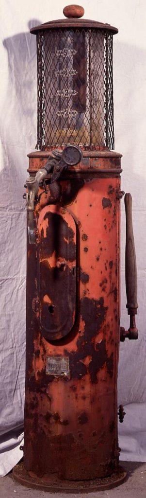 作品画像:ガソリン給油機