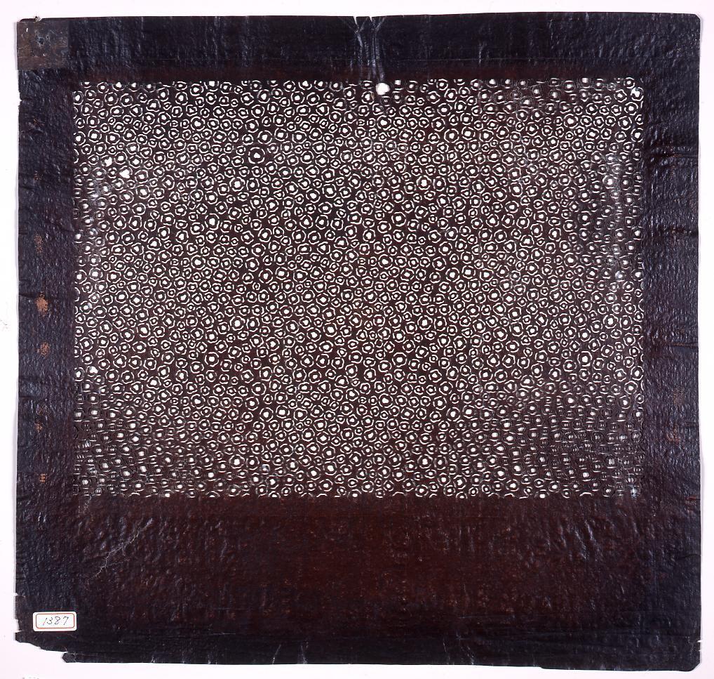 作品画像:長板中形型紙 鹿の子くずし