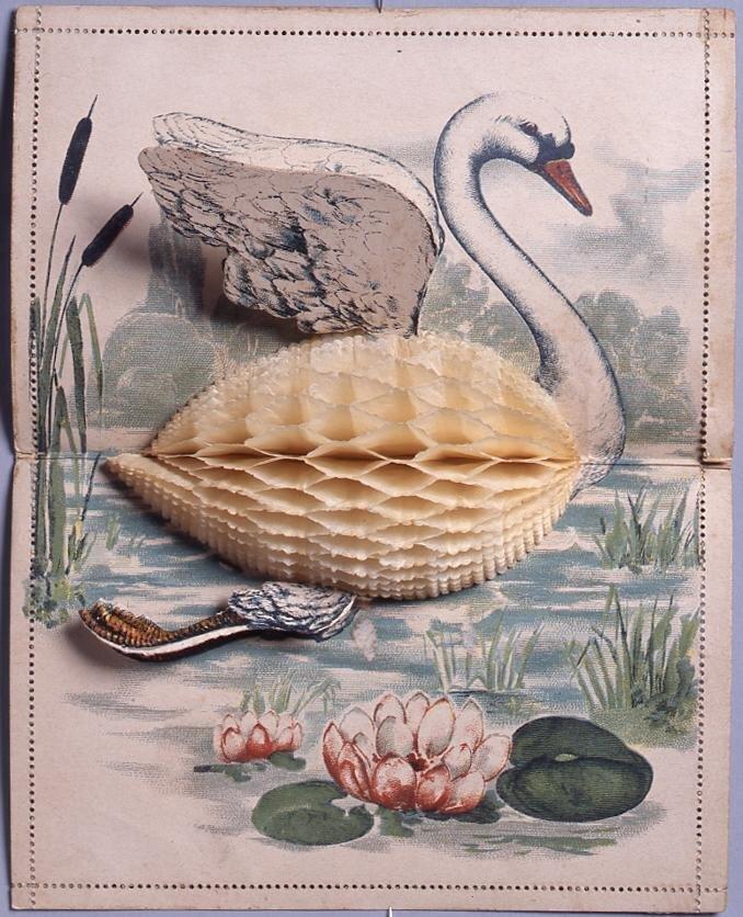 作品画像:飛び立つ白鳥(仕掛け絵葉書、外国製)