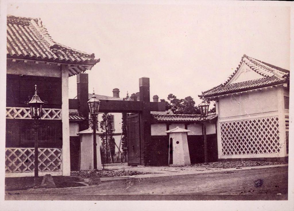 作品画像:温古写真集 12.旧丹波篠山藩青山下野守屋敷門