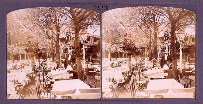 作品画像:屋外のテラスでお茶を飲む男性たち(西欧風景)(No.269)