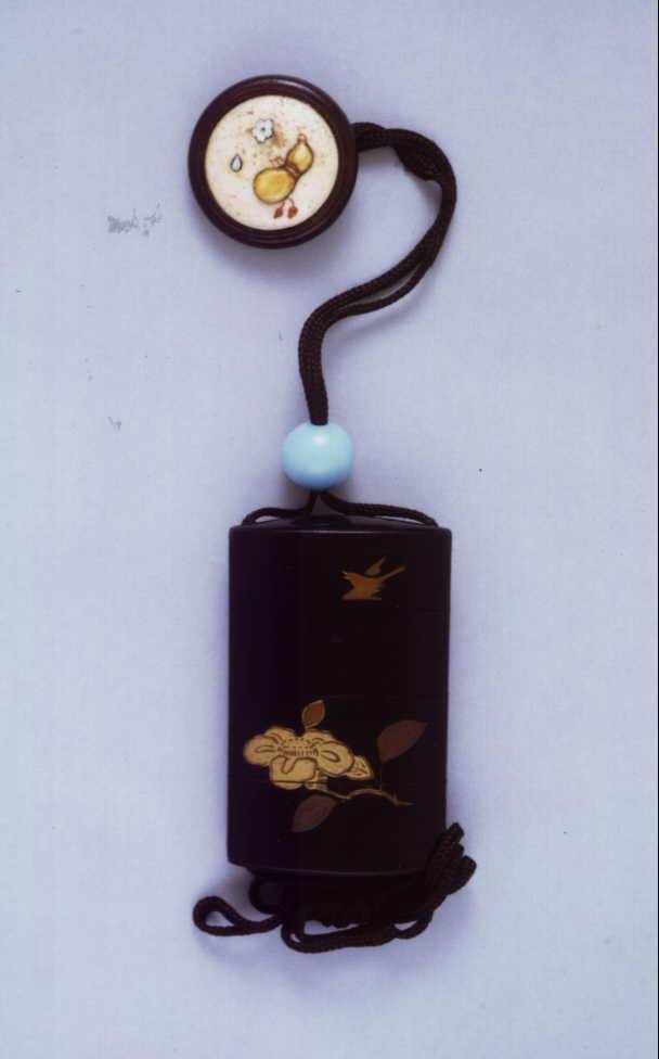 作品画像:椿枝時鳥蒔絵印籠