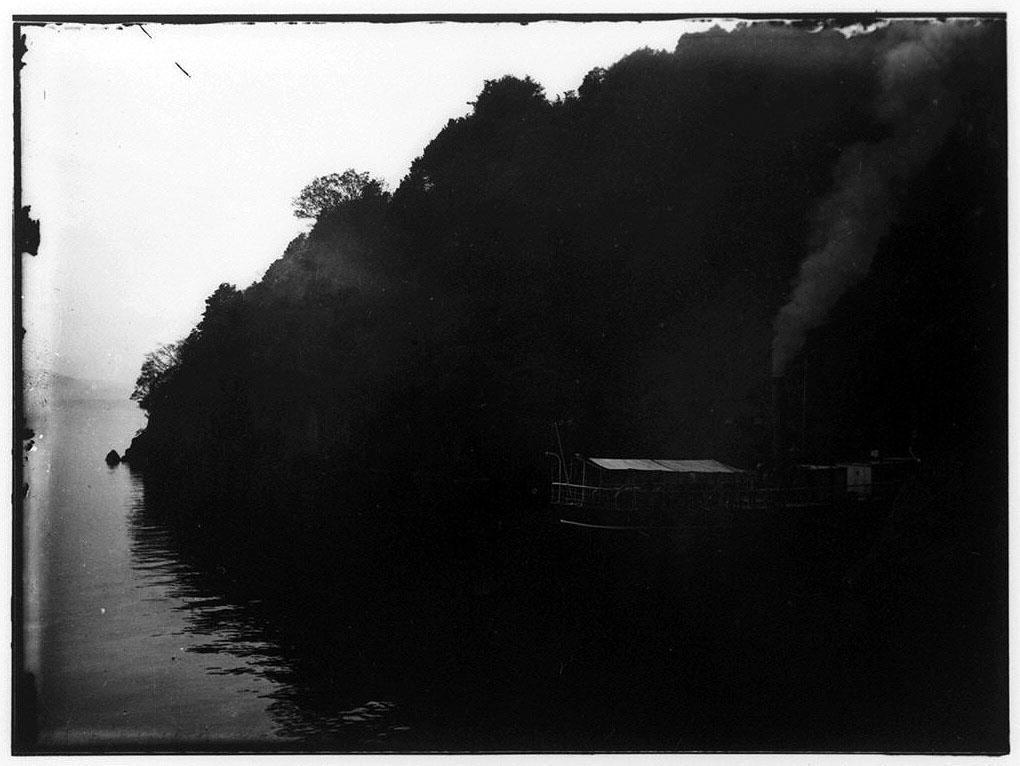 作品画像:水上の蒸汽船