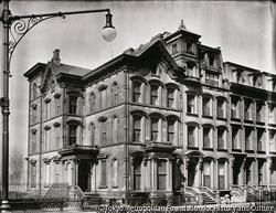 作品画像:家、ニューヨーク