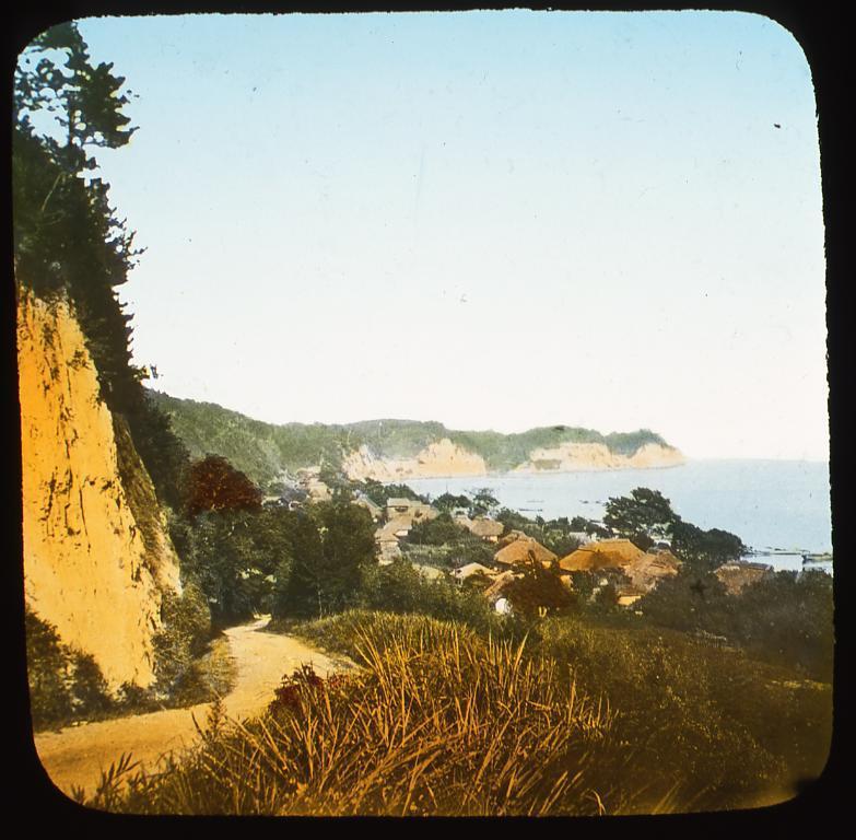 作品画像:海辺の村落