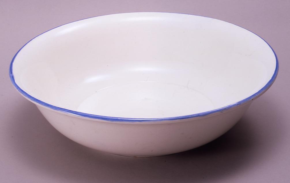 作品画像:陶製洗面器